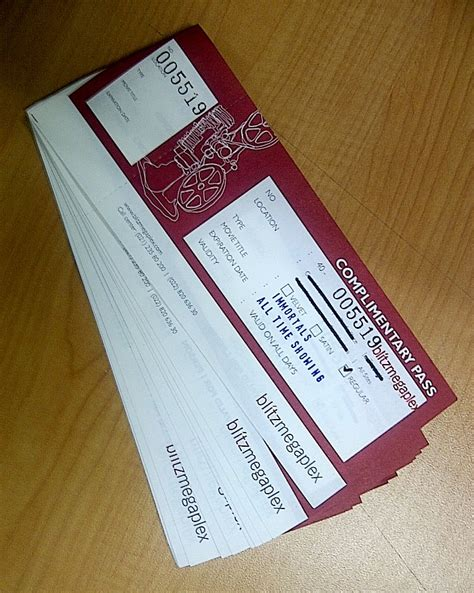 desain brosur tiket pesawat community gathering radio a jakarta la bellezza della