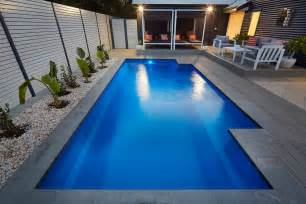 pool landscape swimming pool landscaping swimming pool ideas pinterest swimming pools decking and modern