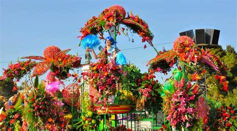 carnevale dei fiori sanremo gli storici sbandieratori delle contrade di cori al