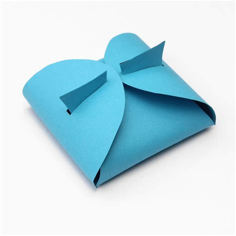 Gifts To Make Out Of Paper - lines across make your own paper gift box