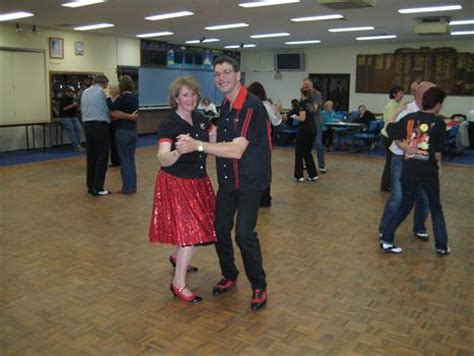 tutorial dance rock and roll hooked on rock rock and roll dance lessons traralgon vic