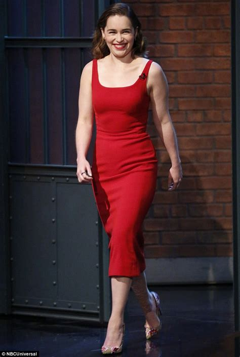 game of thrones actress red woman game of thrones s emilia clarke channels melisandre in