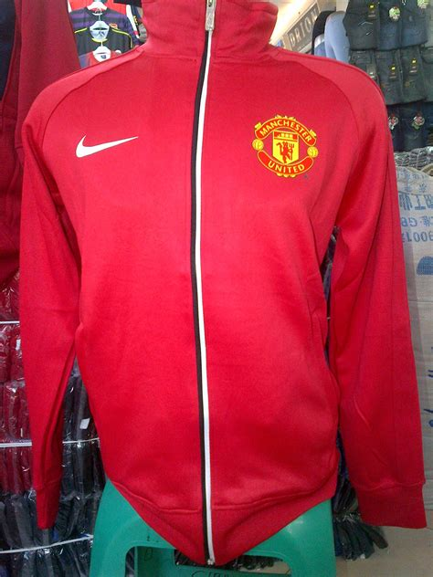 Jaket Manchester United Adventure manchester united collection store clotscastle