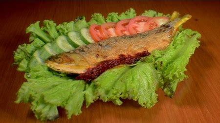Pia Kemuning Rasa Aren 5 makanan khas semarang yang wajib anda coba