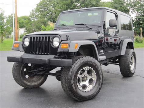 2005 Jeep Wrangler Unlimited 4x4 8in Fabtech Lift Hard Top
