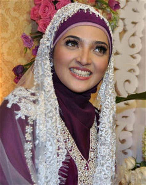 kata kata gambar model trend baju muslim wanita lebaran 2012