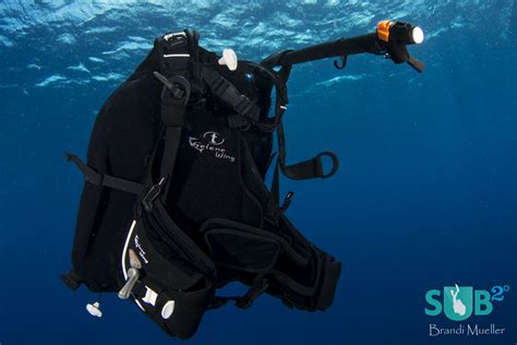 dive bcd scuba diving equipment selecting a buoyancy device