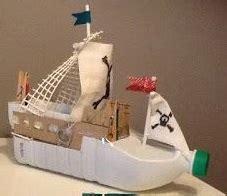 un barco hecho de botellas de plastico barcos con material reciclado saudeter
