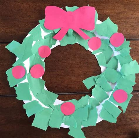 Pretty Craft Paper - 31 cool ways to introduce handmade paper wreaths to