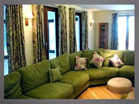 green color curtain   lime green sofa bedroom
