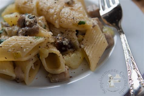 cucinare funghi chignon in padella penne con porcini e patate ricetta