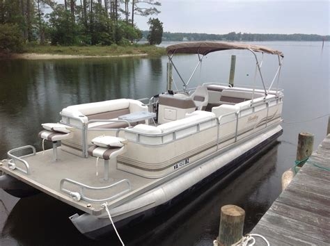smoker craft pontoon bentley 24 smoker craft 2002 for sale for 7 000 boats