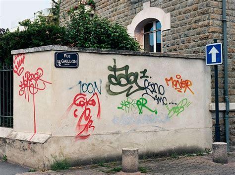 legible graffiti repainting street art  digital age