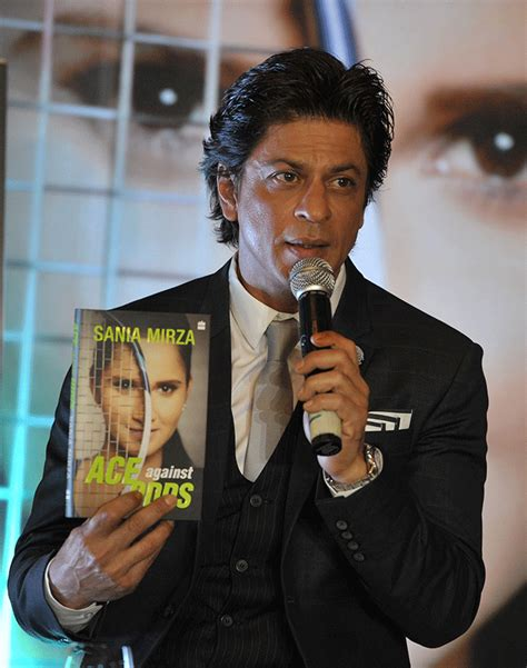 srk biography in hindi shah rukh khan attends launch of sania mirza s biography