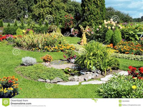 Green Bench Flowers Landscaped Flower Garden Royalty Free Stock Image Image