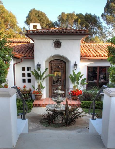 spanish style homes with interior courtyards mexican style i love this style in houses spanish
