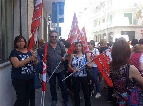ufficio scolastico provinciale di siracusa operatori igienico sanitari protesta in via mascagni