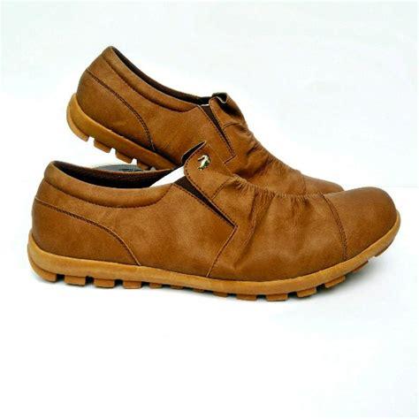 Clarks Grinza Sepatu Pria Slop Slip On Casual Loafers Santai Formal jual sepatu casual pria slip on slop crocodile santai formal kerja kuliah pantofel boots