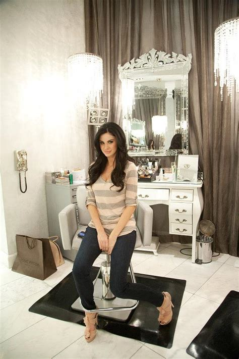 hair dresser s day jayde nicole gets glam at celebrity colorist michael