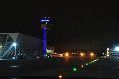 what color are taxiway lights taxiway lighting dewitec gmbh airport technology