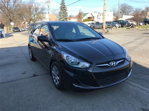 used 2013 hyundai accent gs hatchback 7 390 00