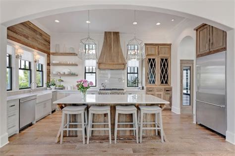 Kitchen Islands Big Lots by 20 Farmhouse Kitchens For Fixer Upper Style Industrial Flare