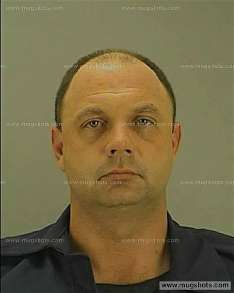 Arrest Records Akron Ohio Eric Paull Fox8 In Ohio Reports Akron Officer Arrested For Allegedly