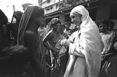 biography of mahatma gandhi and mother teresa madre teresa de calcuta quotes quotesgram