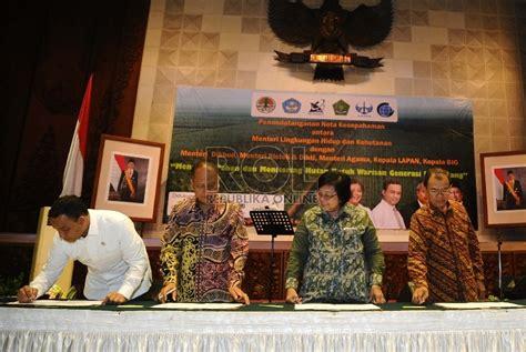 Hukum Kehutanan Di Indonesia 1 menteri siti hutan indonesia jadi sorotan dunia