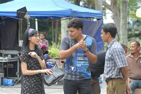 Rumah Kepompong Sebuah Kisah Cinta Terlarang I Wayan Artika 29 februari filem stereoscopic 3d pertama malaysia selebriti
