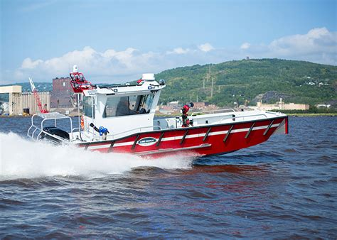 lake assault boats lake assault boats showcases 28 foot fireboat at fdic