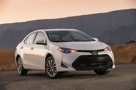 Toyota Corolla Pictures 2017 Toyota Corolla Drive Review This Boring