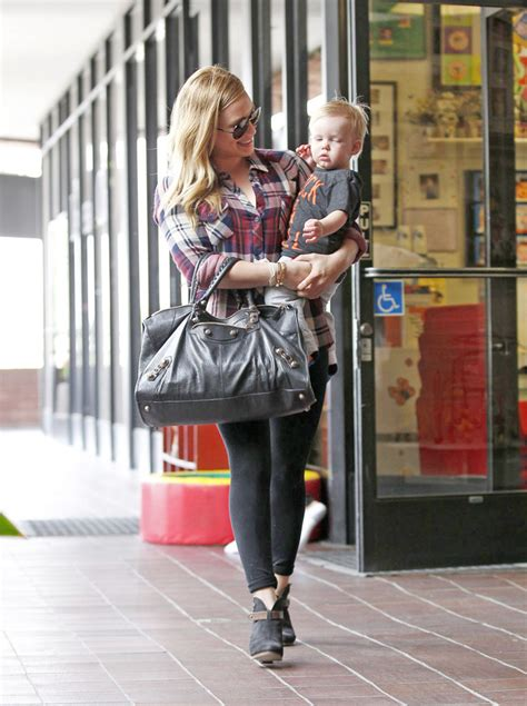 Get Look Hilary Duffs Surlygirl Producer Purse by Hilary Duff Oversized Tote Hilary Duff Handbags Looks