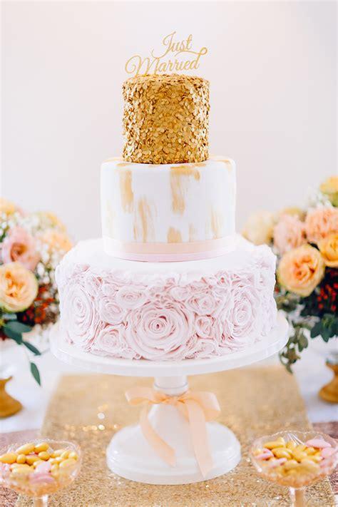 Hochzeitstorte Zur Goldenen Hochzeit by Hochzeit In Gold Und Rosa Friedatheres