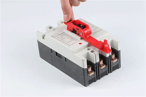 Circuit Breaker Lockout Grip Tight 491b 1 masterlock 491b 491bmcn grip tight circuit breaker lock