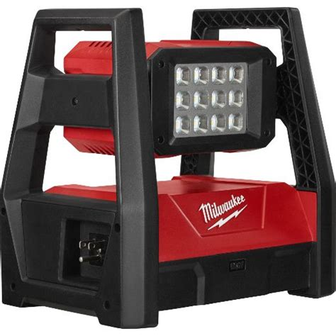 milwaukee m18 led work light trueview m18 trueview led hp flood light milwaukee