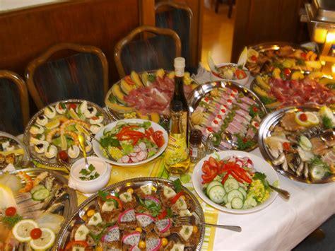 kaltes buffet anrichten das gegenteil essen angeli beobachtet