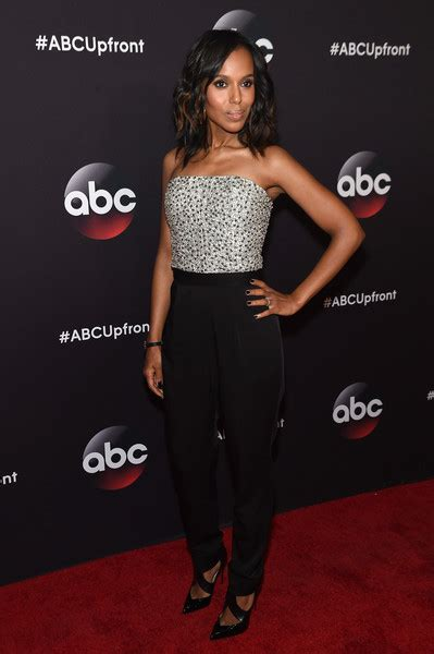 new nail shap wearn by olivea pope in 2015 series kerry washington jumpsuit kerry washington clothes looks