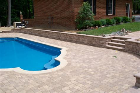 pool with retaining wall