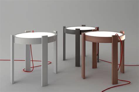 nachttisch mit integrierter beleuchtung table integrated with lighting interiorzine