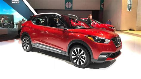 nissan kicks red 2018 nissan kicks cuv courts millennials with colorful style