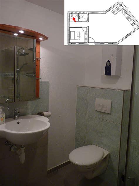 Kleines Badezimmer Mit Dusche Grundriss by Grundriss Kleines Bad Mit Dusche Raum Und M 246 Beldesign
