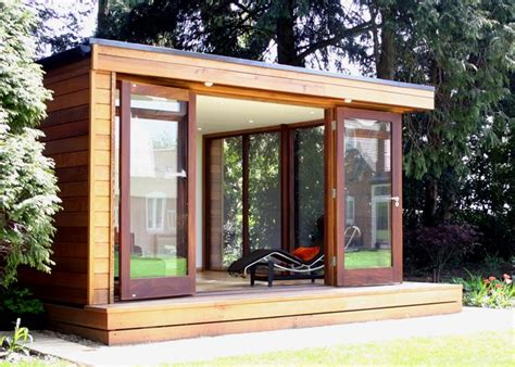 Small Homes With Lots Of Windows Modern Tiny House With Lots Of Windows Tiny House