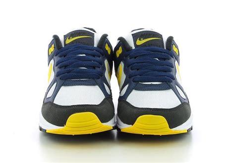 Nike Air Versitile Midnight Navy 852431 401 nike air span ii midnight navy tour yellow ah8047 401 sneaker bar detroit