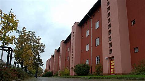 deutsche wohnung schlacht auf dem immobilienmarkt deutsche wohnen k 228 mpft