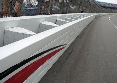 Racing Wall