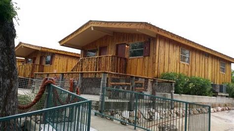 Schlitterbahn New Braunfels Cabins by Riverbed Cabins 511 Sleeps Four Picture Of The Resort