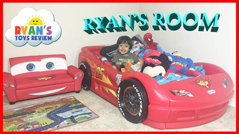 lightning mcqueen bedroom set s room tour disney pixar cars lightning mcqueen toys