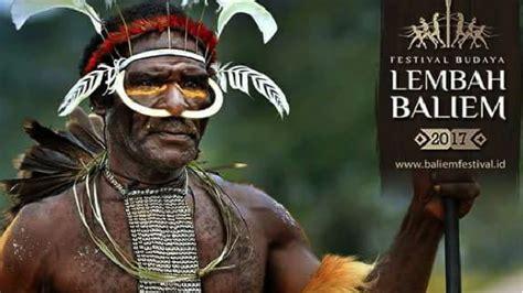 festival lembah baliem gelar tradisi peperangan suku papua