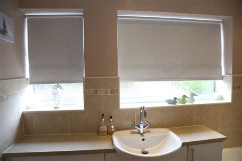 window blinds bathroom the best moisture resistant blinds for kitchens and
